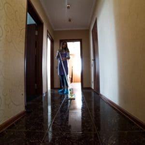 Влажная уборка коридоров