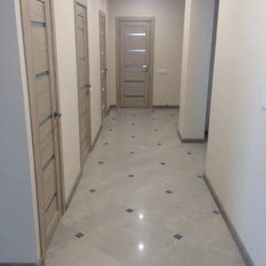 уборка светлых коридоров